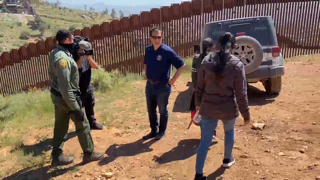 Usbp Apprehends Migrants With Issa