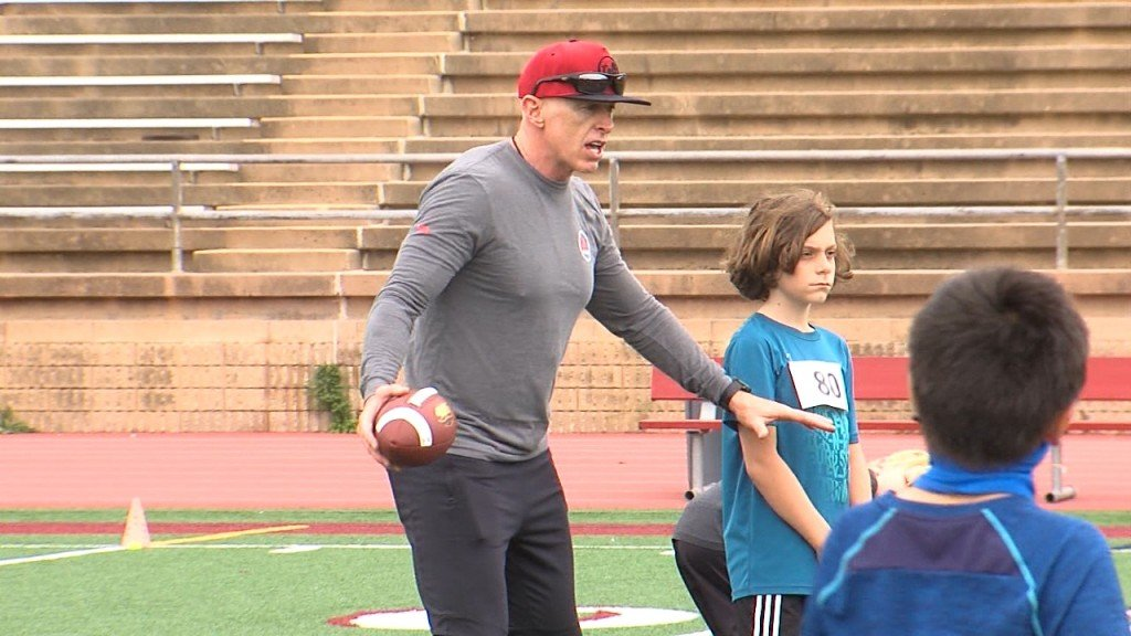 Jeff Garcia Football Camp Vo Kusi5fa8 146mxf00 00 40 01still001