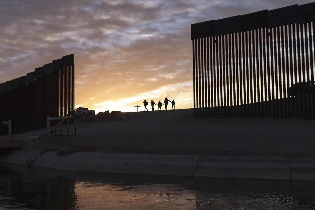 Aptopix Immigration Separated Families