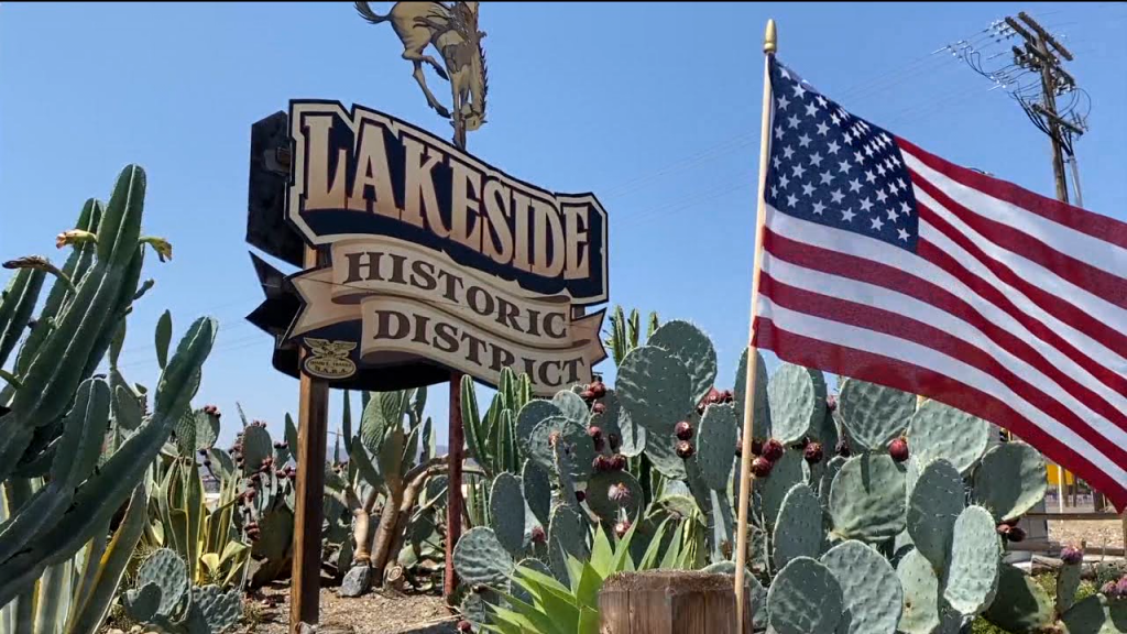 Lakeside American Flag Sign