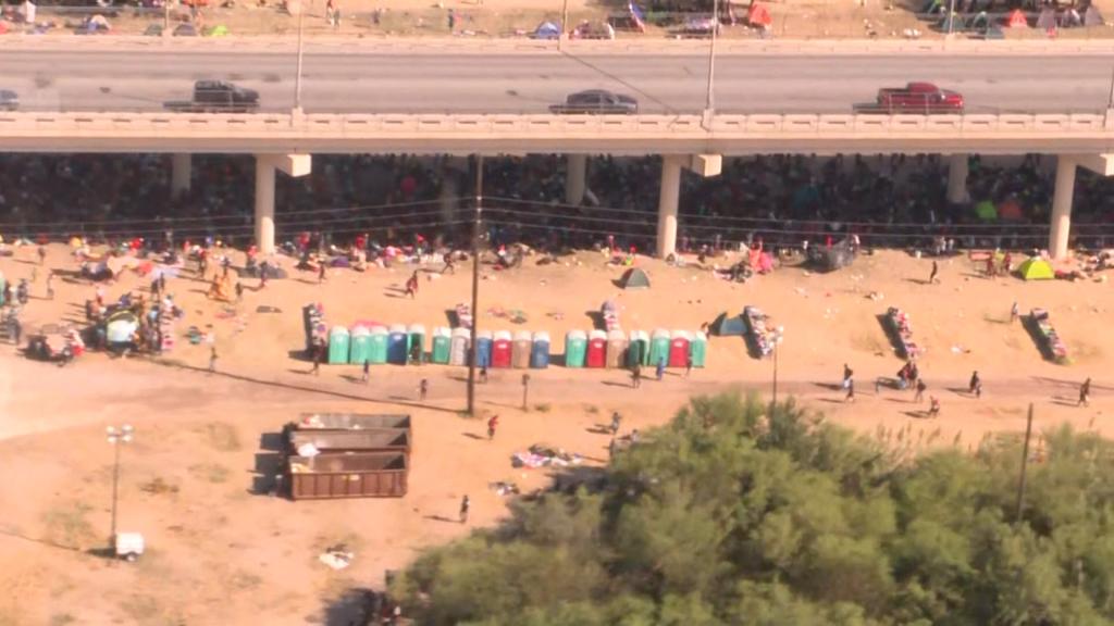 Migrants Under Bridge In Del Rio