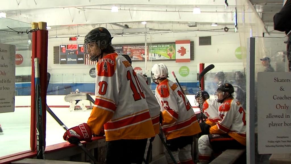 Hockey 00 01 18 45still001