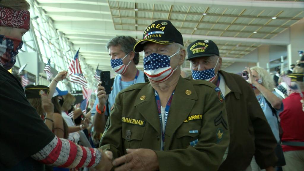 Korea Veteran Returns Honor Flight Sd