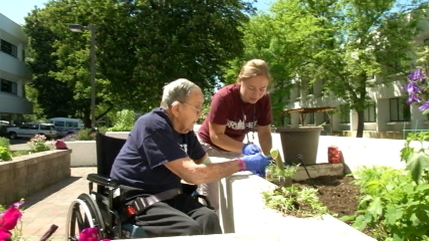 St. Luke's uses garden therapy for stroke recovery