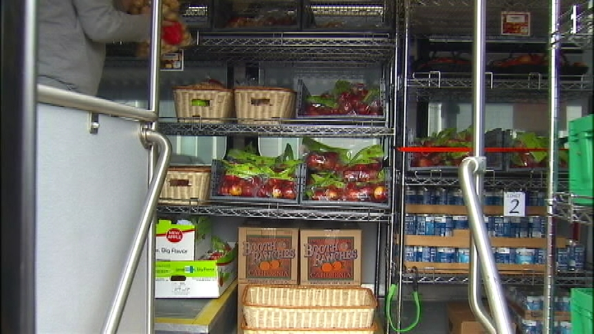 Second Harvest using old STA bus for new mobile markets