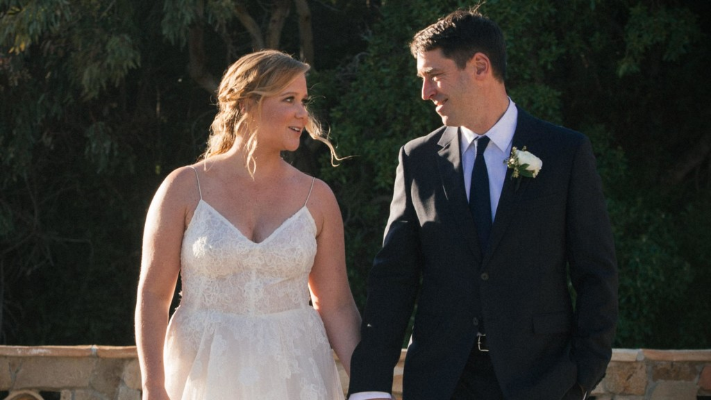Amy Schumer loves being a newlywed