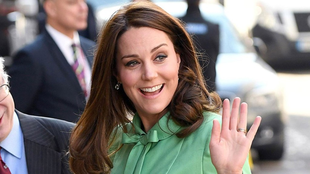 Kate Middleton rings in spring in bright green while 8 months pregnant
