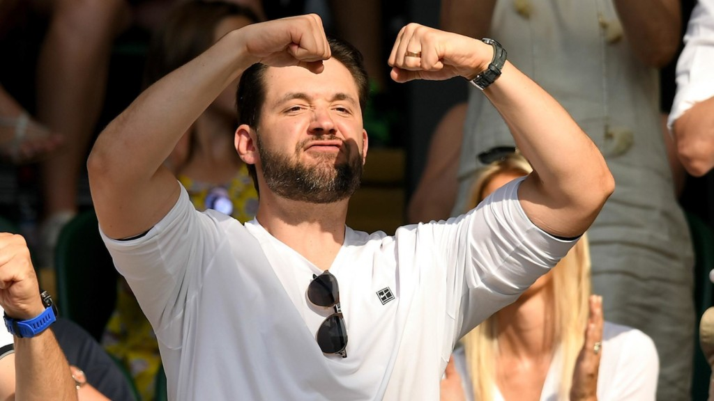 See Alexis Ohanian's hilarious faces while cheering on wife Serena Williams
