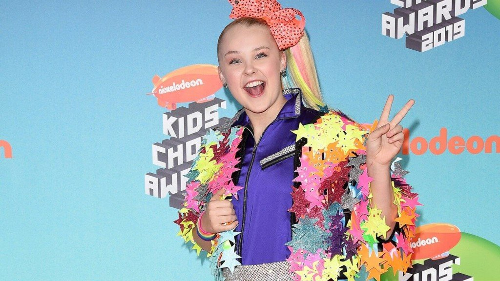 JoJo Siwa swinging through Spokane on her D.R.E.A.M. tour