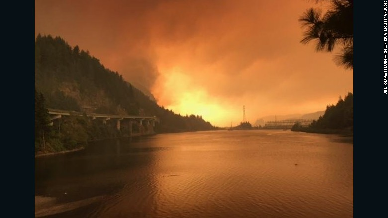 Teen suspected of starting massive Oregon wildfire