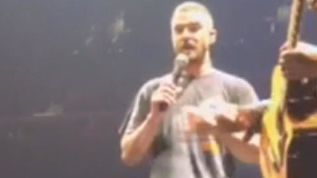 Justin Timberlake stops concert to help woman with pregnancy announcment