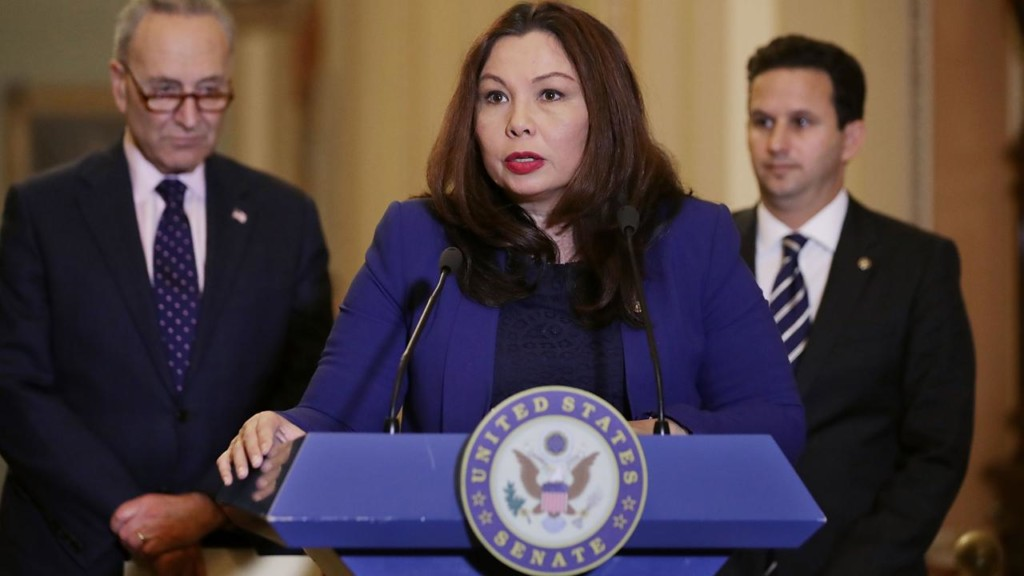 50-Year-old Tammy Duckworth becomes first sitting Senator to give birth