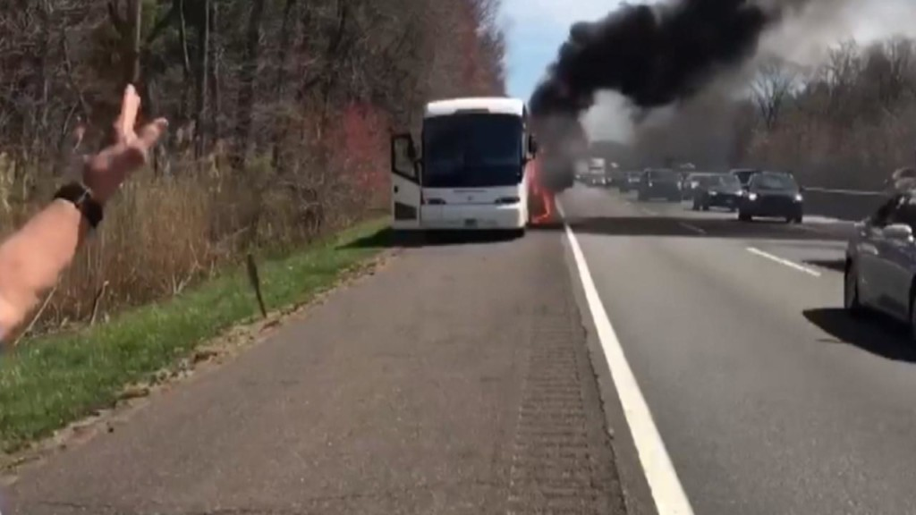 Dr. Oz becomes a reporter as he records a school bus fire