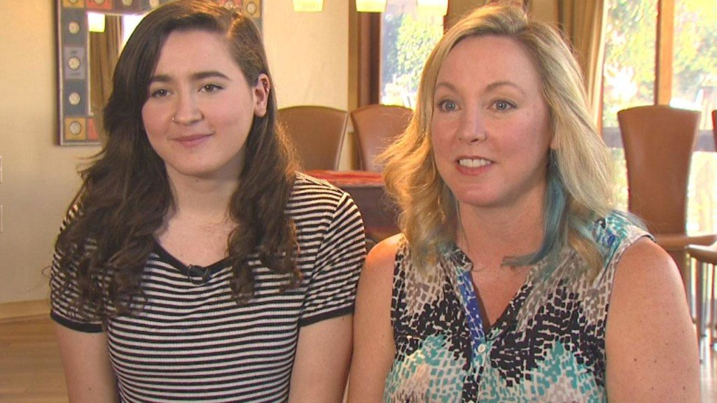 Daughter meets biological mom who donated egg to pay for college