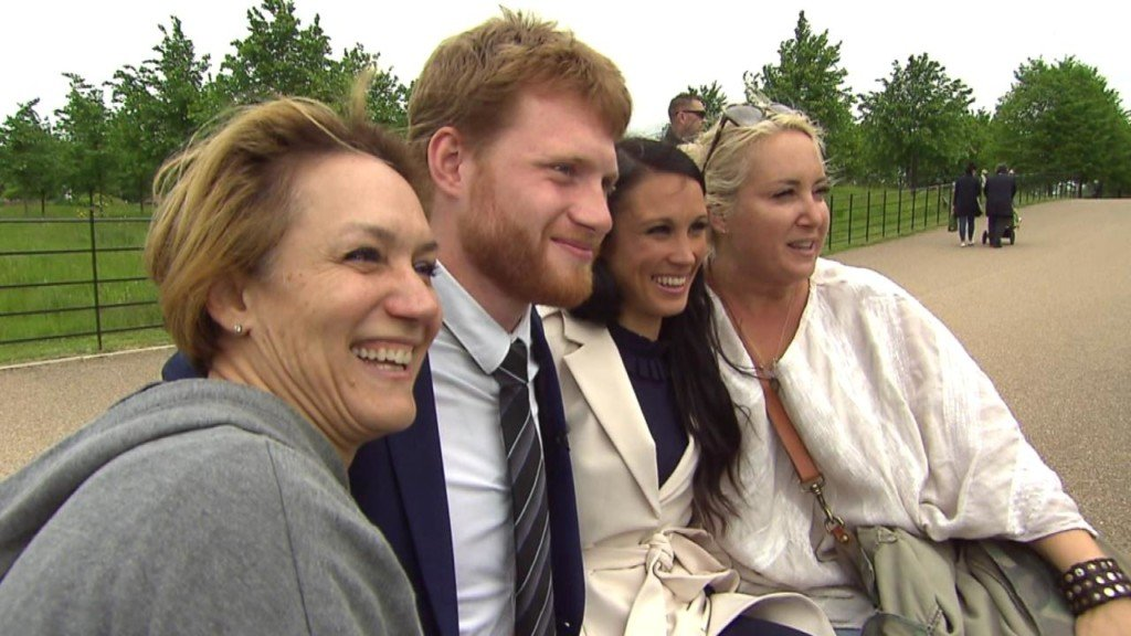 Meghan Markle and Prince Harry look-alikes take London by storm