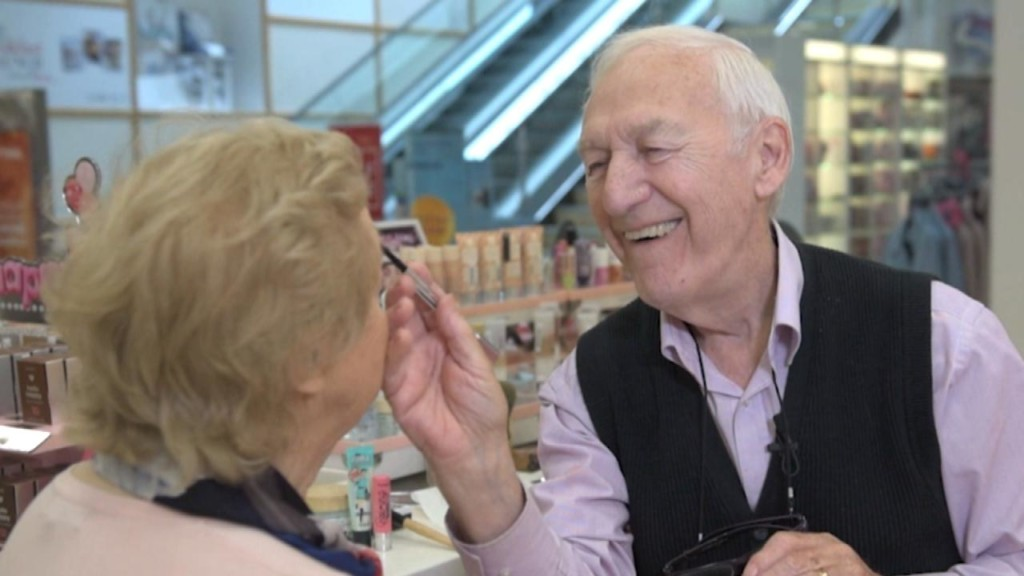 83-year-old learns to apply wife's makeup as she loses her eyesight
