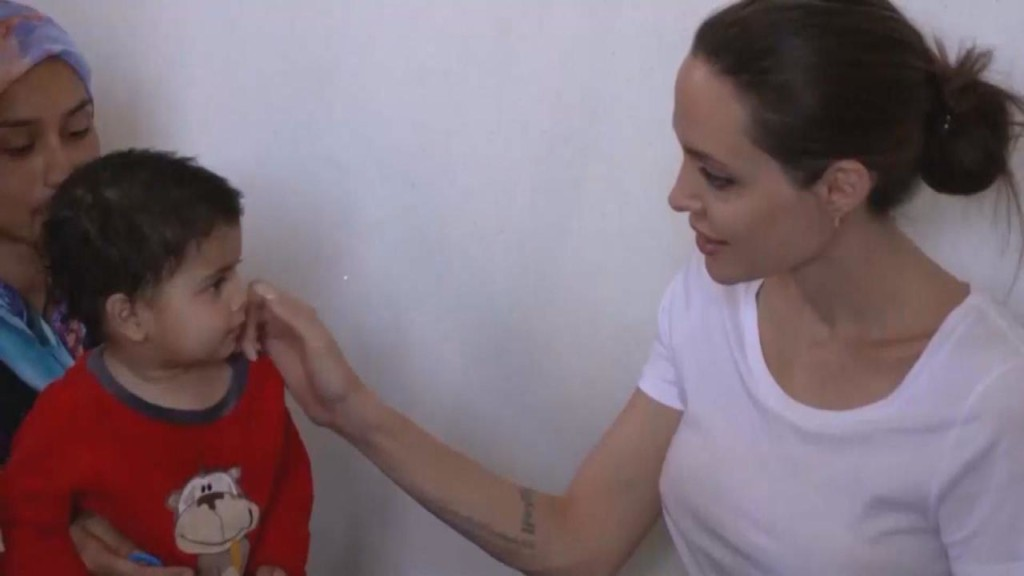 Angelina Jolie visits refugees widow and her 5 daughters in Ir