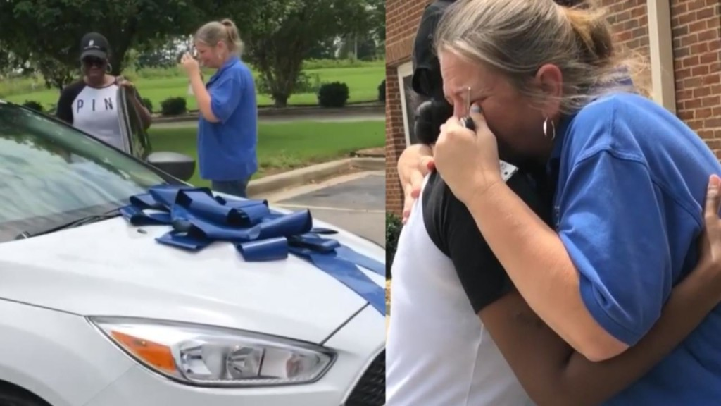 Teacher cries when parent surprises her with a new car
