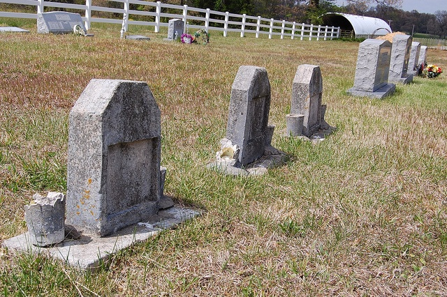 Pa. cemetery deterring visiting mourners
