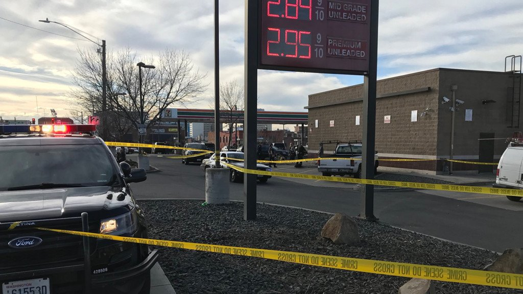 Man found collapsed in 7-Eleven parking lot