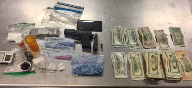 Convicted felon arrested on multiple gun, drug charges