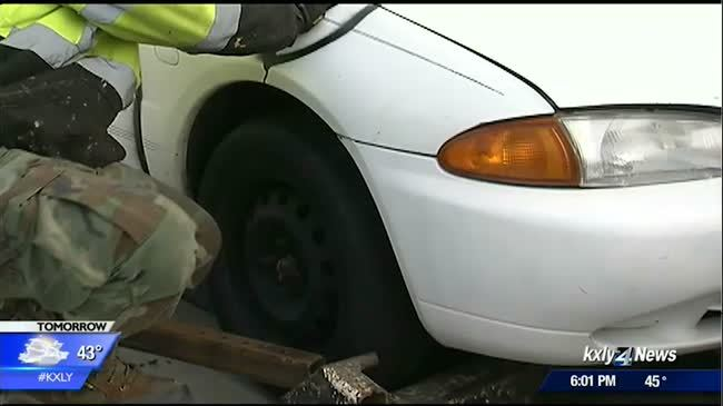 Abandoned and vandalized car in Kendall Yards towed away