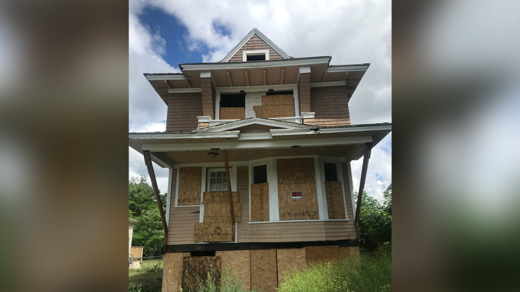 Abandoned homes in west central neighborhood to become low-income housing