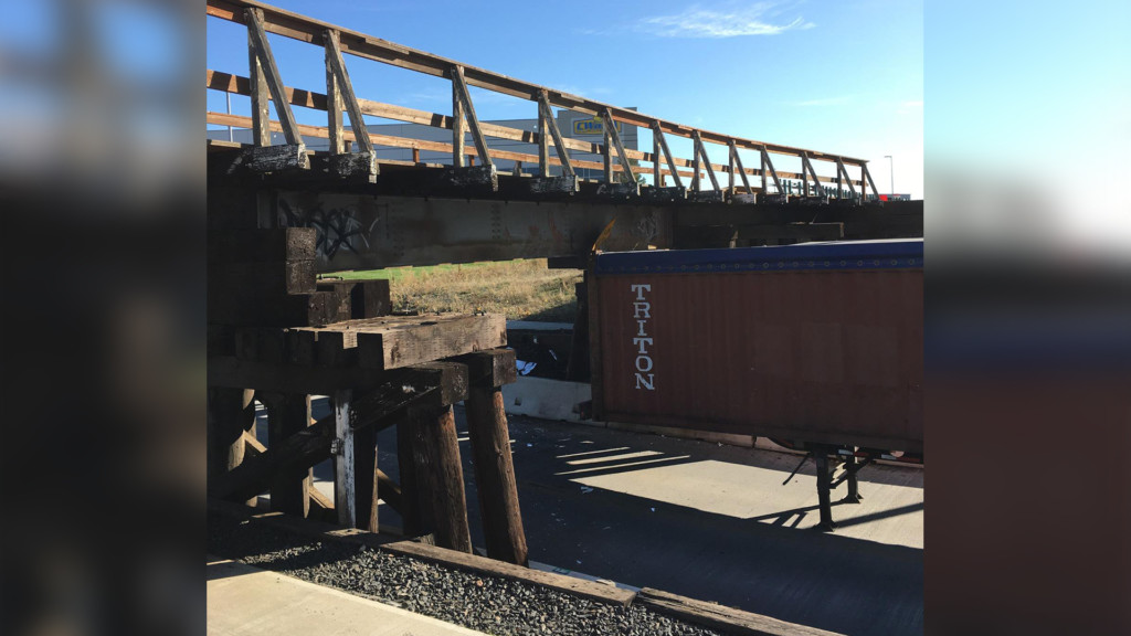 Altamont Street underpass struck by semi; closed for repairs