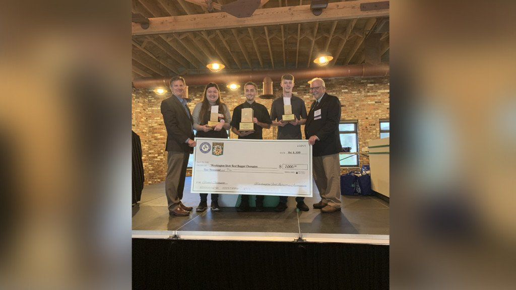 Mead grocer wins Washington's 'best bagger' title for second year in a row