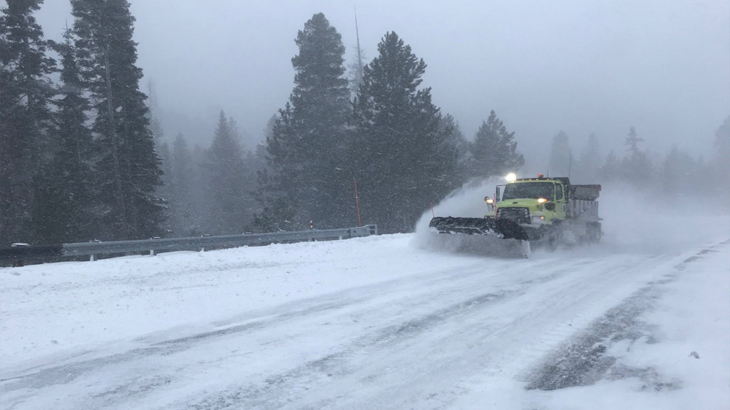 Blewett Pass reopens, chains required
