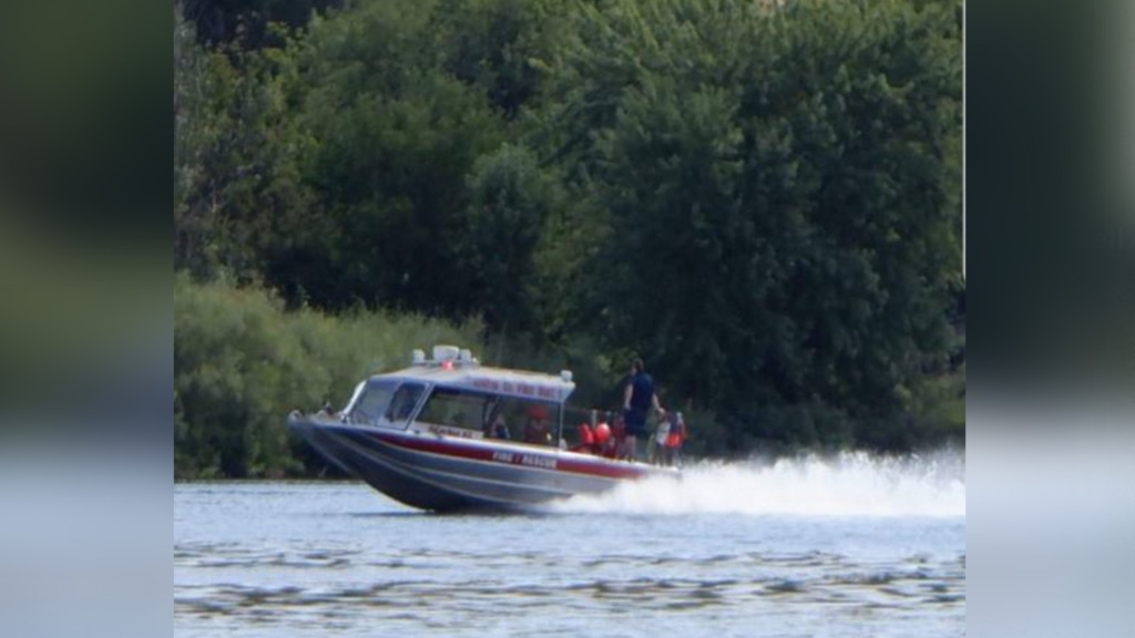 Boater dies in crash at Thunder on the Snake boat races