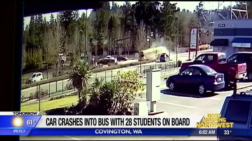 7 high school students injured when SUV hits bus near Kent