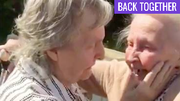Sisters with Alzheimer's reunite at 15 years