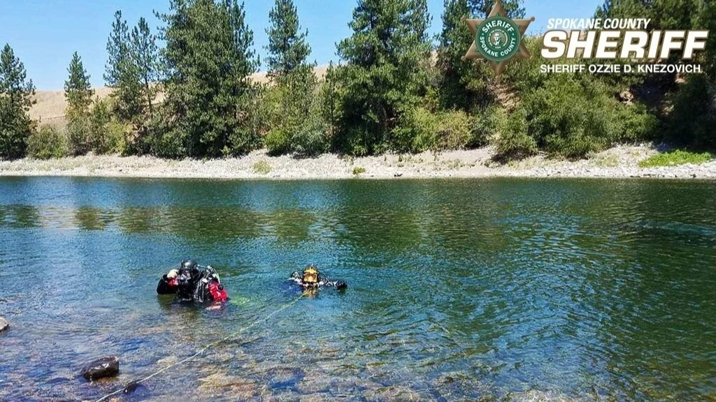Marine Enforcement Team pulls SUV from Spokane River near Stateline
