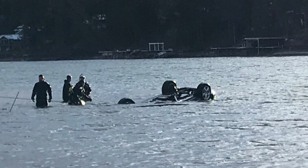 Kootenai county crews rescue woman from car in the Spokane River
