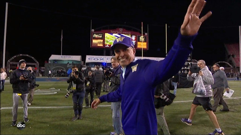 Chris Petersen goes out with a win, UW dominates Las Vegas Bowl 38-7 over Boise State