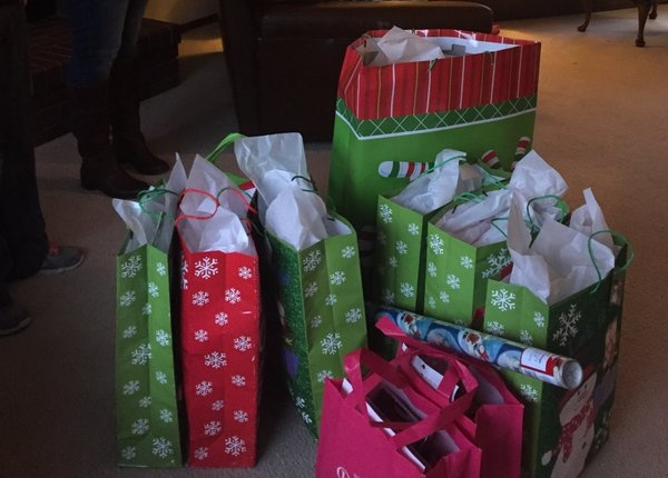 KXLY4, ZZU team up to provide Christmas for adoptive family