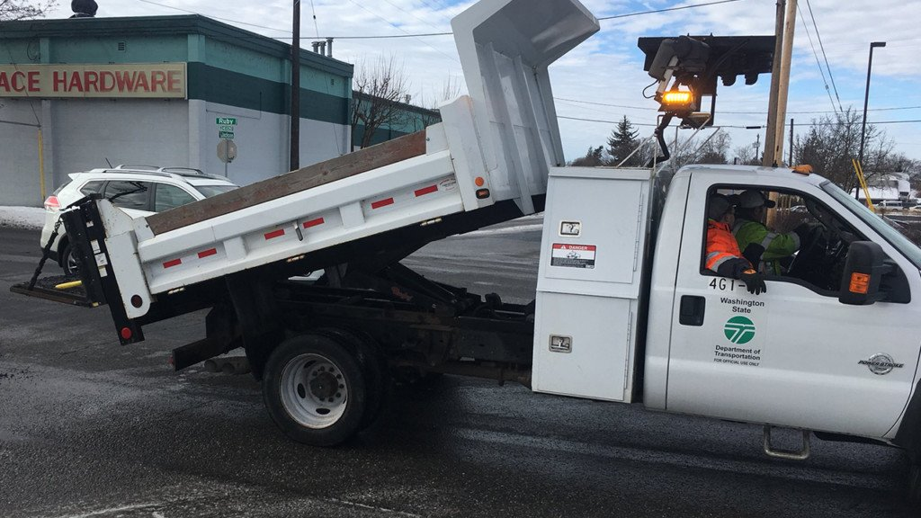 City crews working to fill potholes