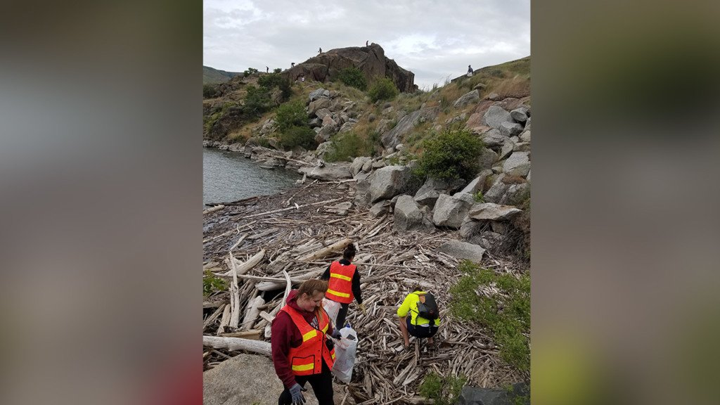 College students help clean up Granite Point