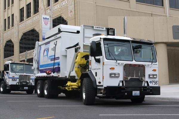 Spokane rolls out new compressed natural gas garbage trucks