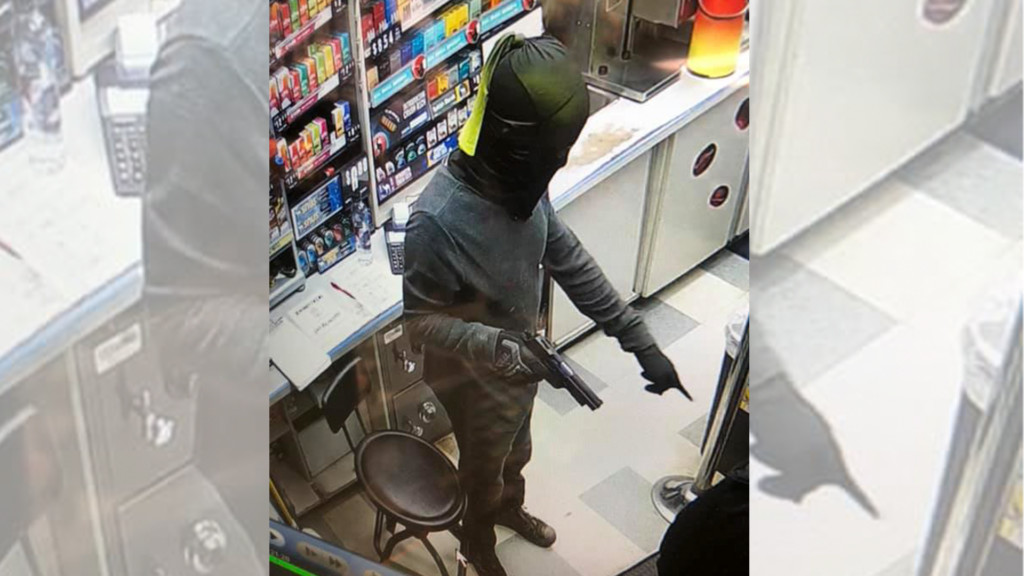 Colville gas station robbed at gunpoint