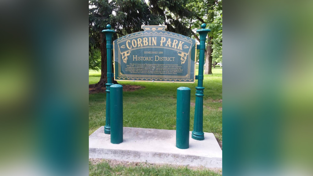 Historic home tours in the Corbin Park Historic District