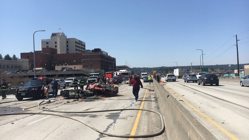 Semi truck crash blocks eastbound lanes of I-90 near Maple Street exit