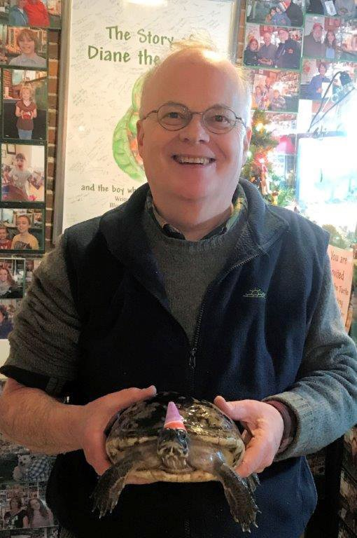 Beloved gift shop turtle celebrates 50th birthday party