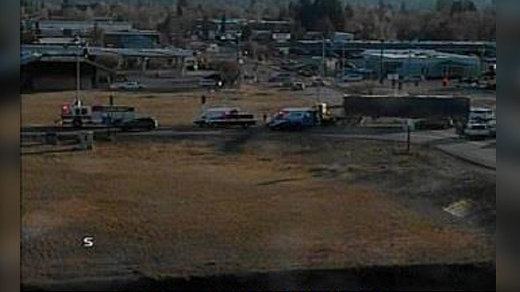 Car and semi crash blocked lanes in Spokane Valley, now reopened
