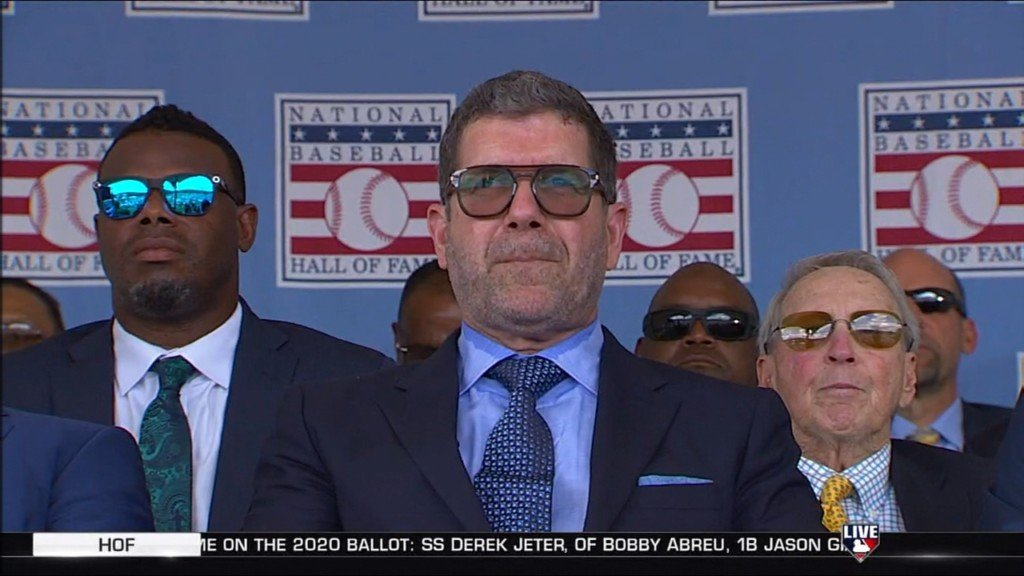 Mariner's legend Edgar Martinez inducted into baseball's Hall of Fame