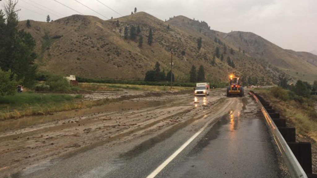 Mud slides cause road closures in Chelan County