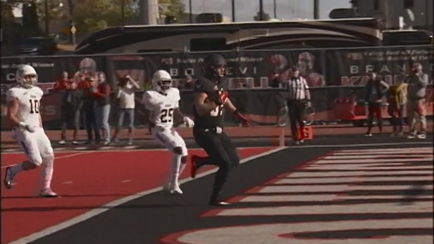 Barriere passes for 326 yards, 3 TDs, EWU swamps Idaho 38-14