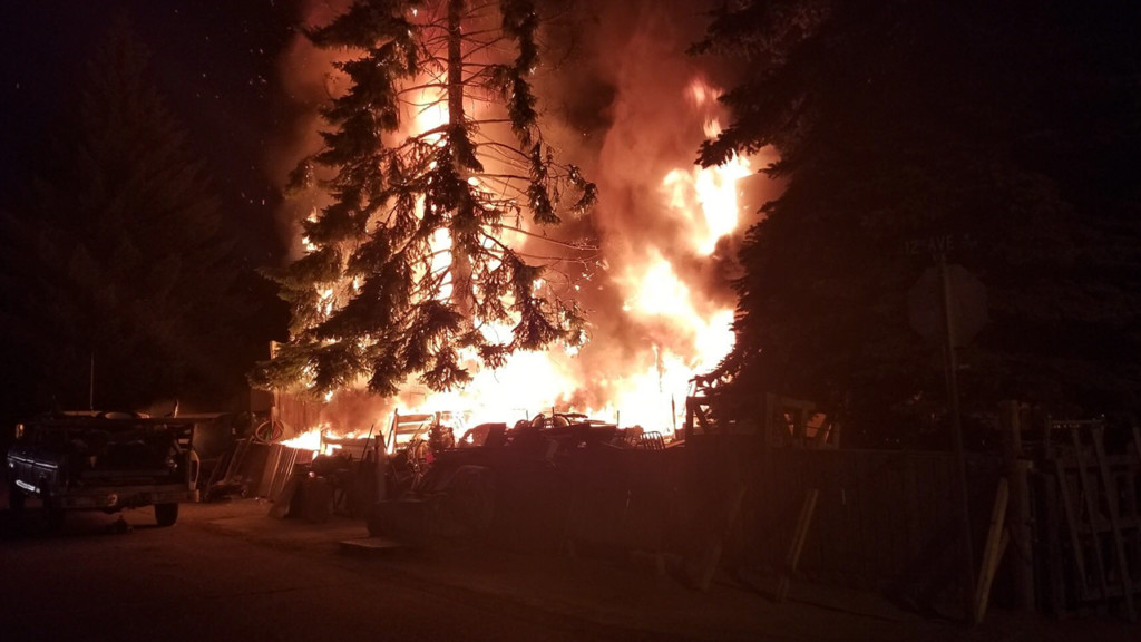 Airway Heights fire engulfs one house, spreads to another