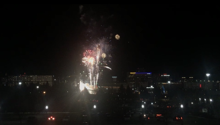 Hundreds gather at Riverfront Park for fireworks and reflect on 2018